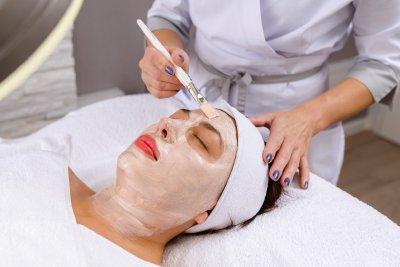 Kosmetische Behandlungen des Gesichts